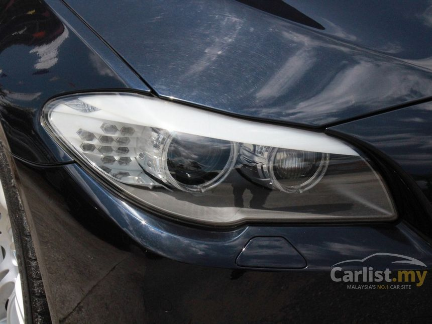 recon-car-carlist-bmw-5-series-528i-m-sport-sedan-malaysia_new_car_used_luxury_cheap-lamp